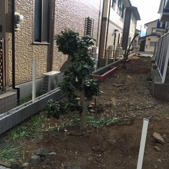 フェンス柱、花壇ブロック