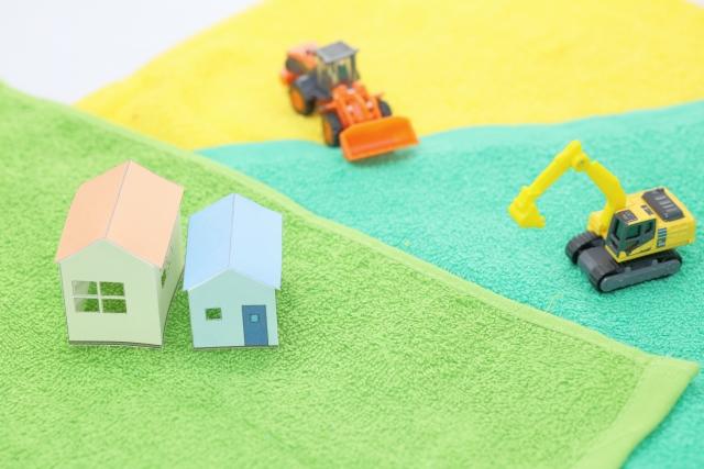 家と重機の模型